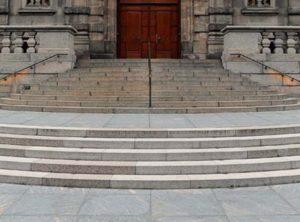 Гранитные ступени для лестниц Донецк